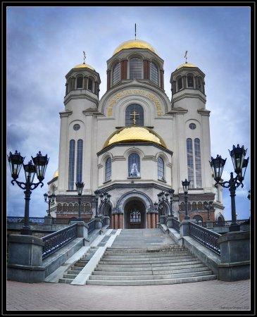 В Екатеринбурге душевнобольной совершил самоубийство в Храме-на-крови